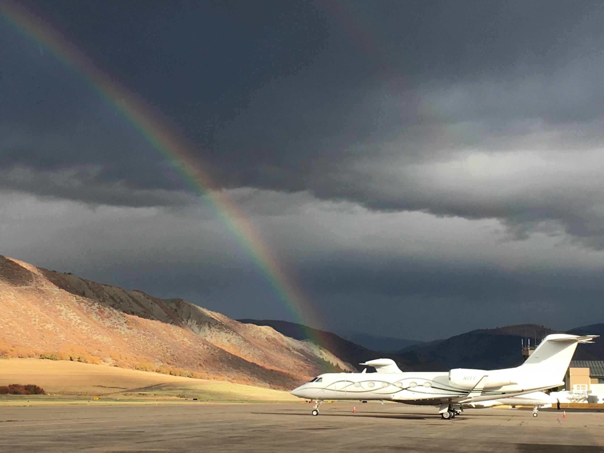 Jet and Rainbow